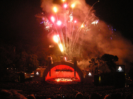 Grand Finale, Hollywood Bowl